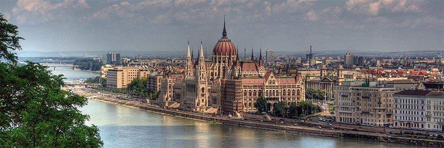 Страховка для поездки в Венгрию: оформить в страховой компании ЕВРОИНС